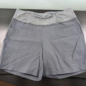 2/35 🌹Mountain Hardwear short